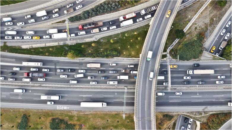 Conjunto de carreteras vistas desde el cielo
