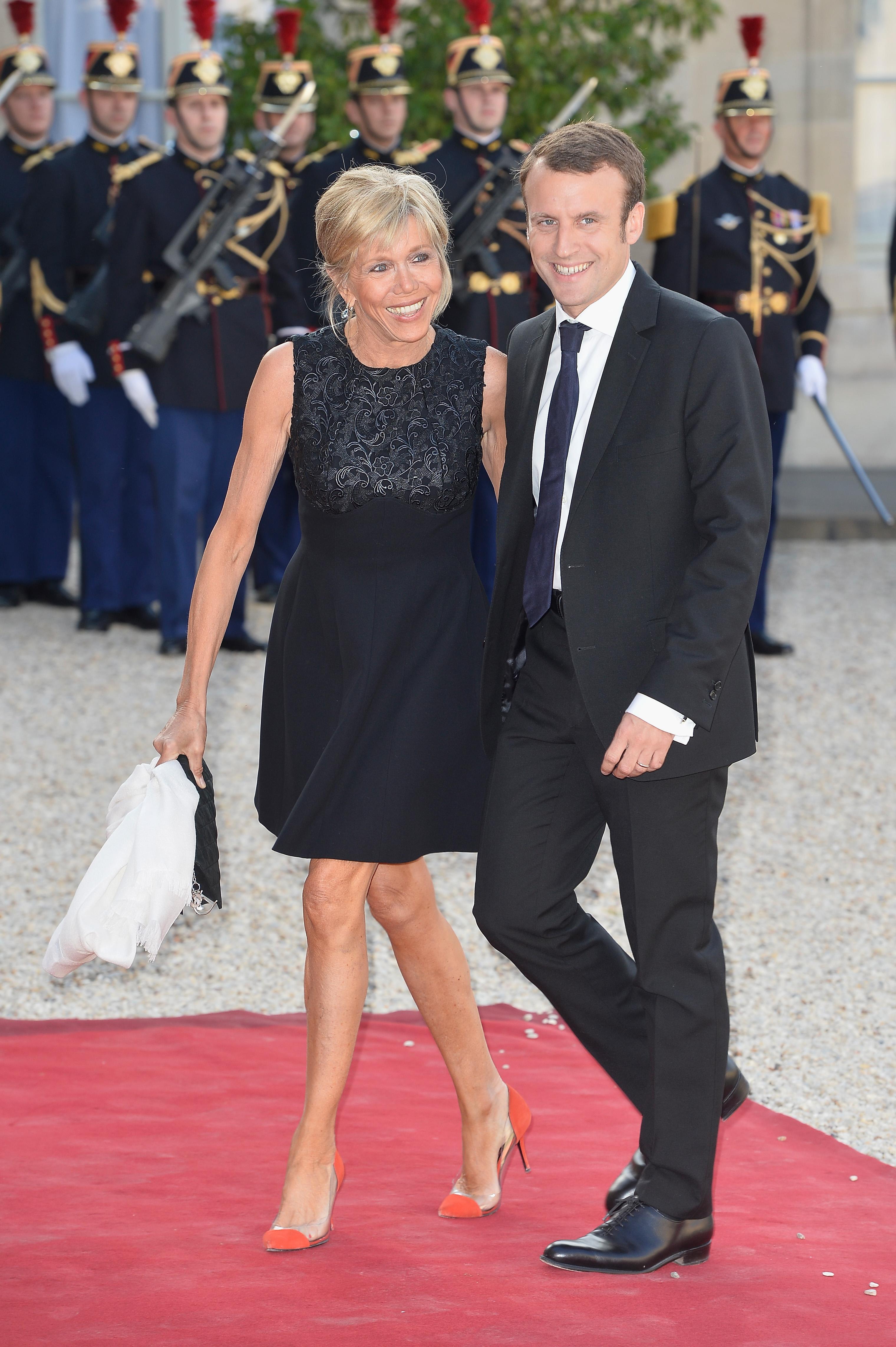 Brigitte Macron, de negro. (Cordon Press)