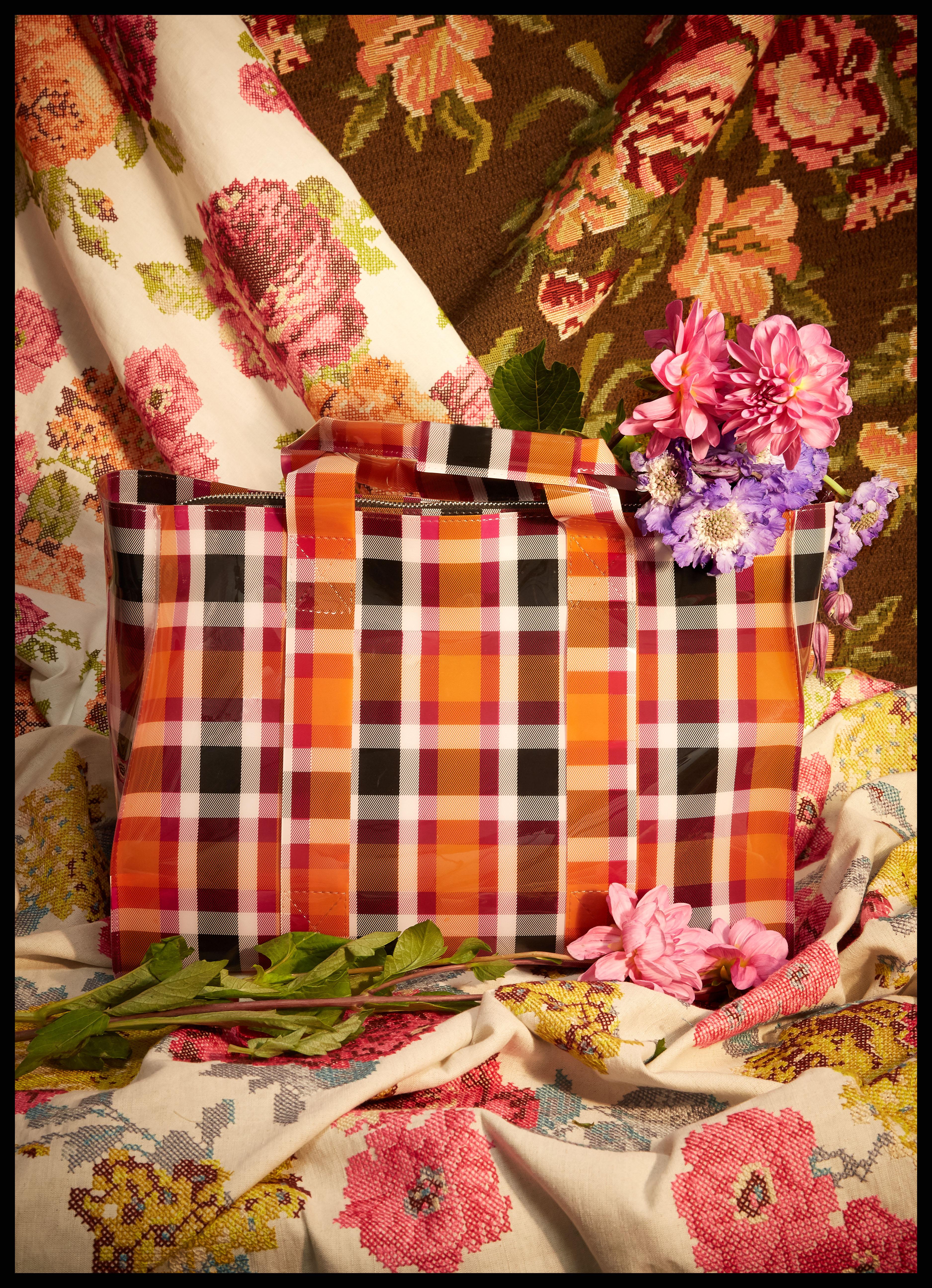 Shopping bag, Zara. Flores, Floreale. Telas, Pepe Peñalver.