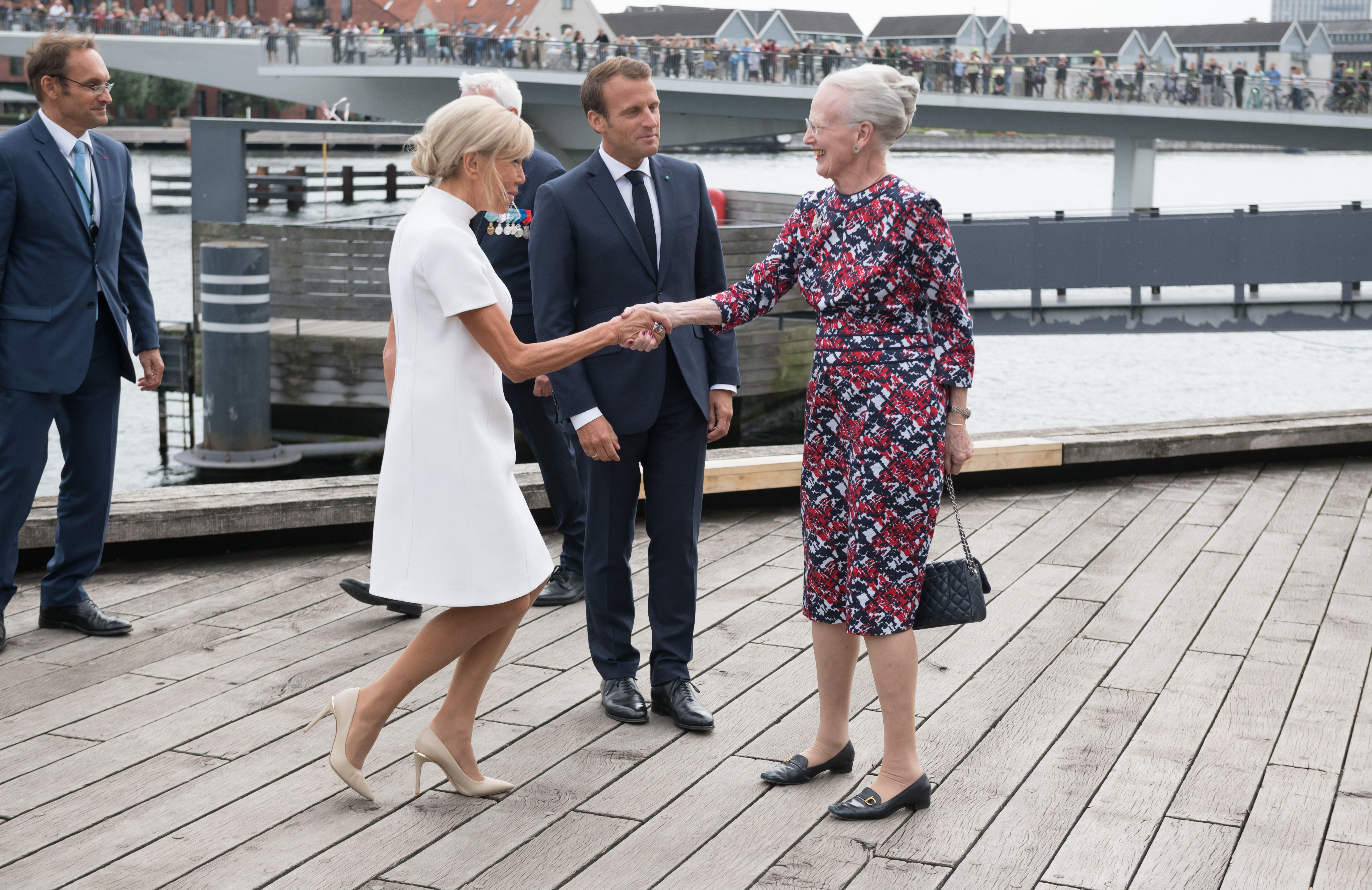Brigitte Macron y la reina Margarita. (Cordon Press)