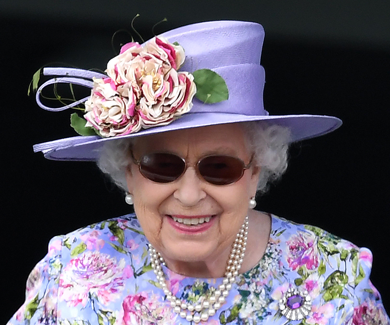 La reina ha renovado los colores y los estampados de su armario.