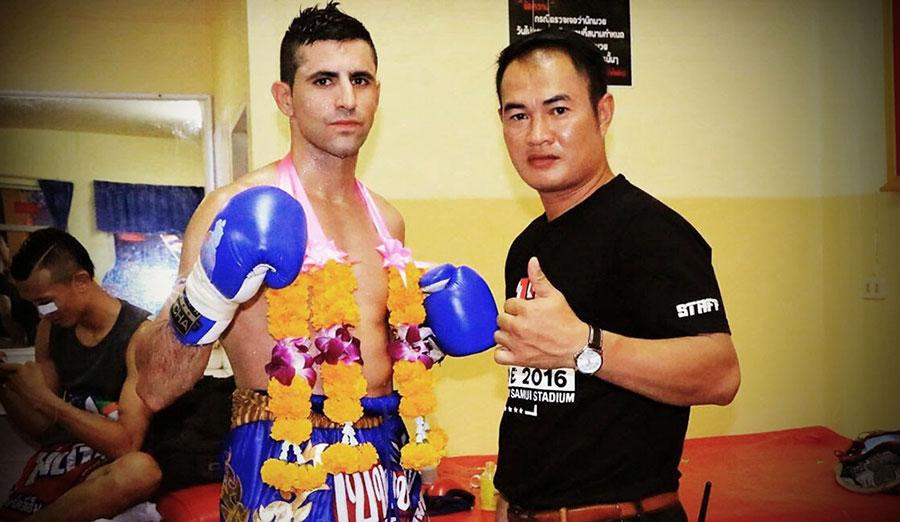Pau Illana, equipado un combate de muay thai