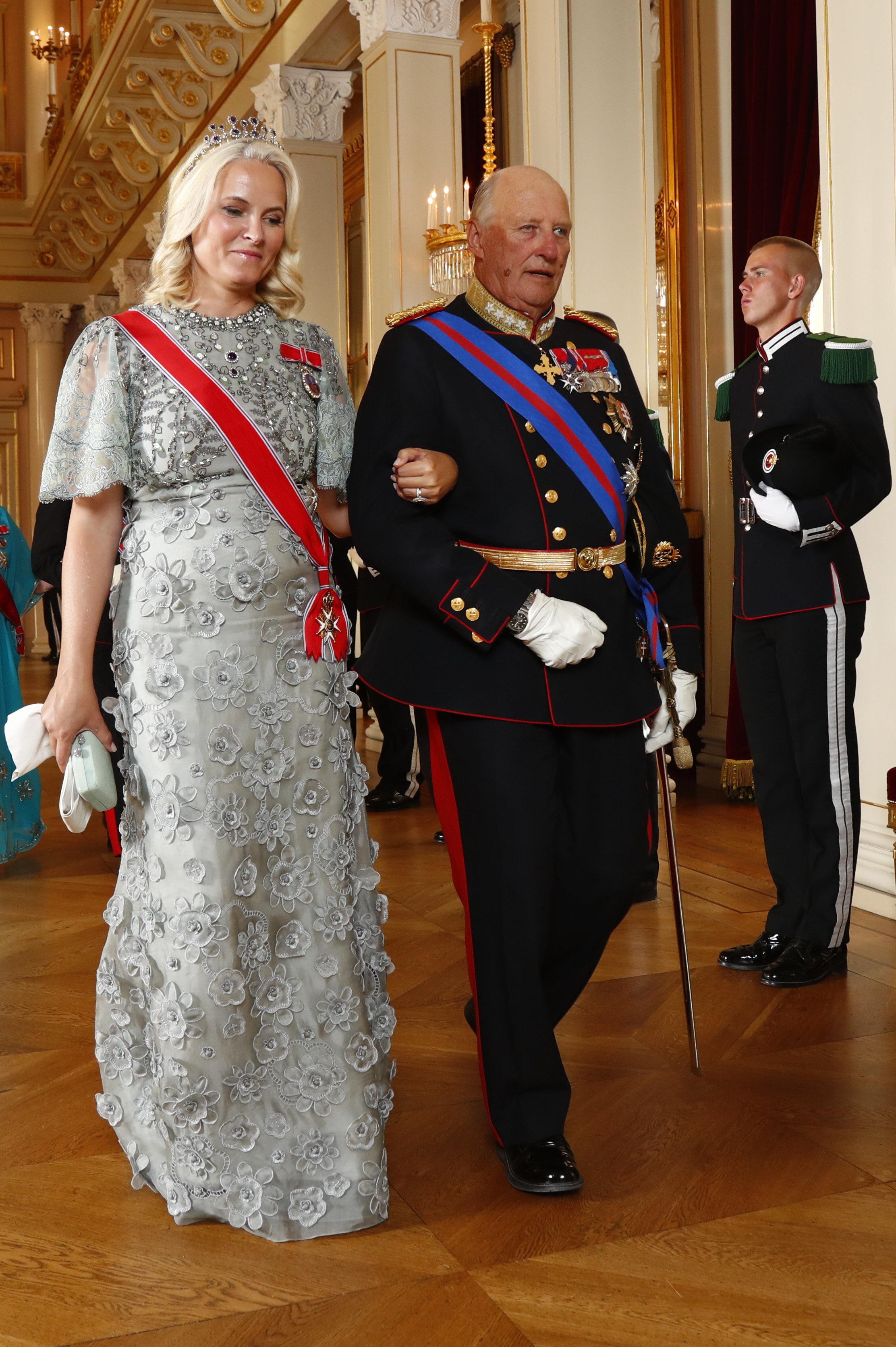 La princesa Mette-Marit junto a su suegro. (Dana Press)