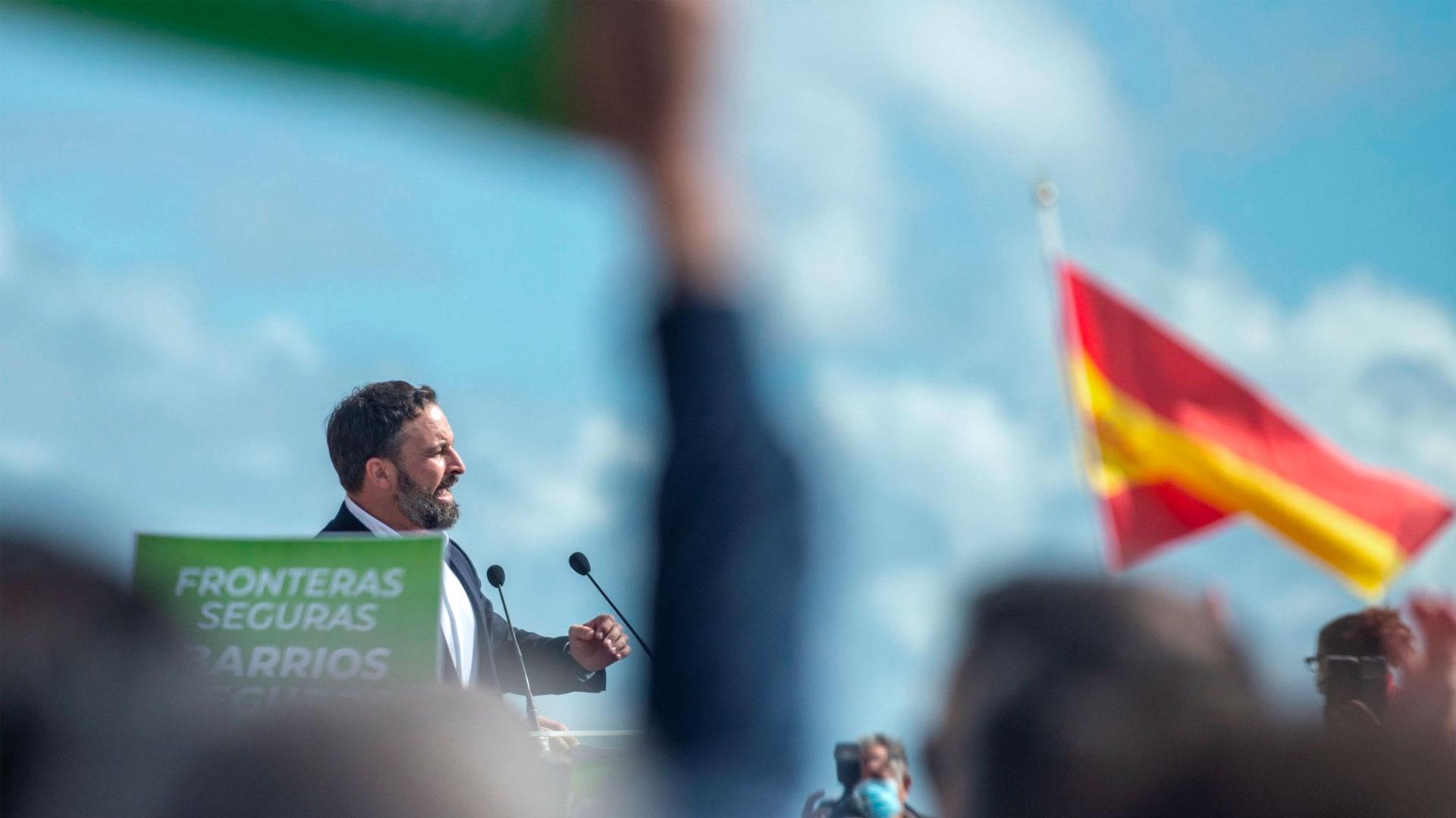 Santiago Abascal en un mitin con el título 'Fronteras seguras'