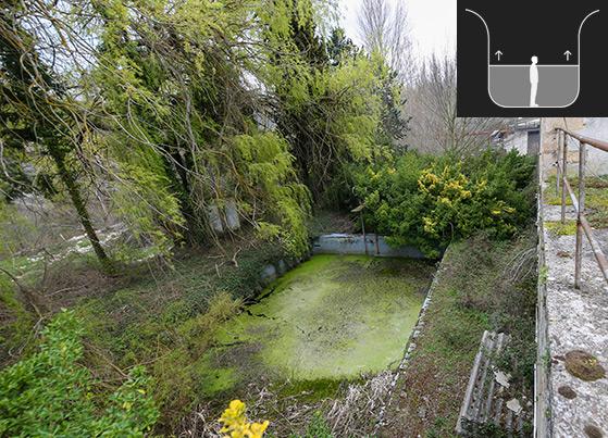 Restos de las celdas de castigo sobre el canal del río Ebro