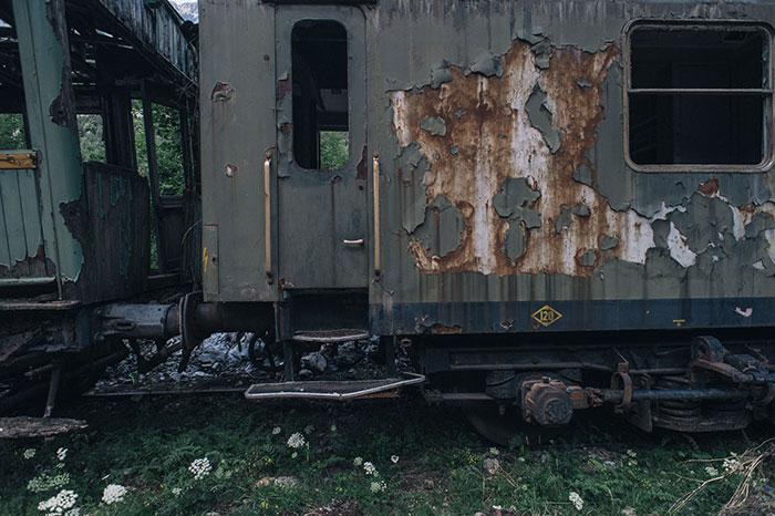 Exterior de tren en la estación de Canfranc