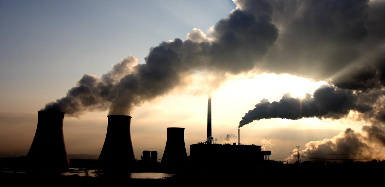 Planta nuclear en pleno rendimiento
