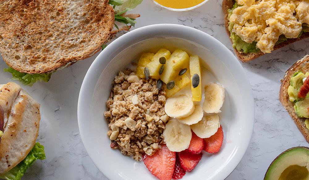 Bowl de Yogur, Muesli y fruta VIPS