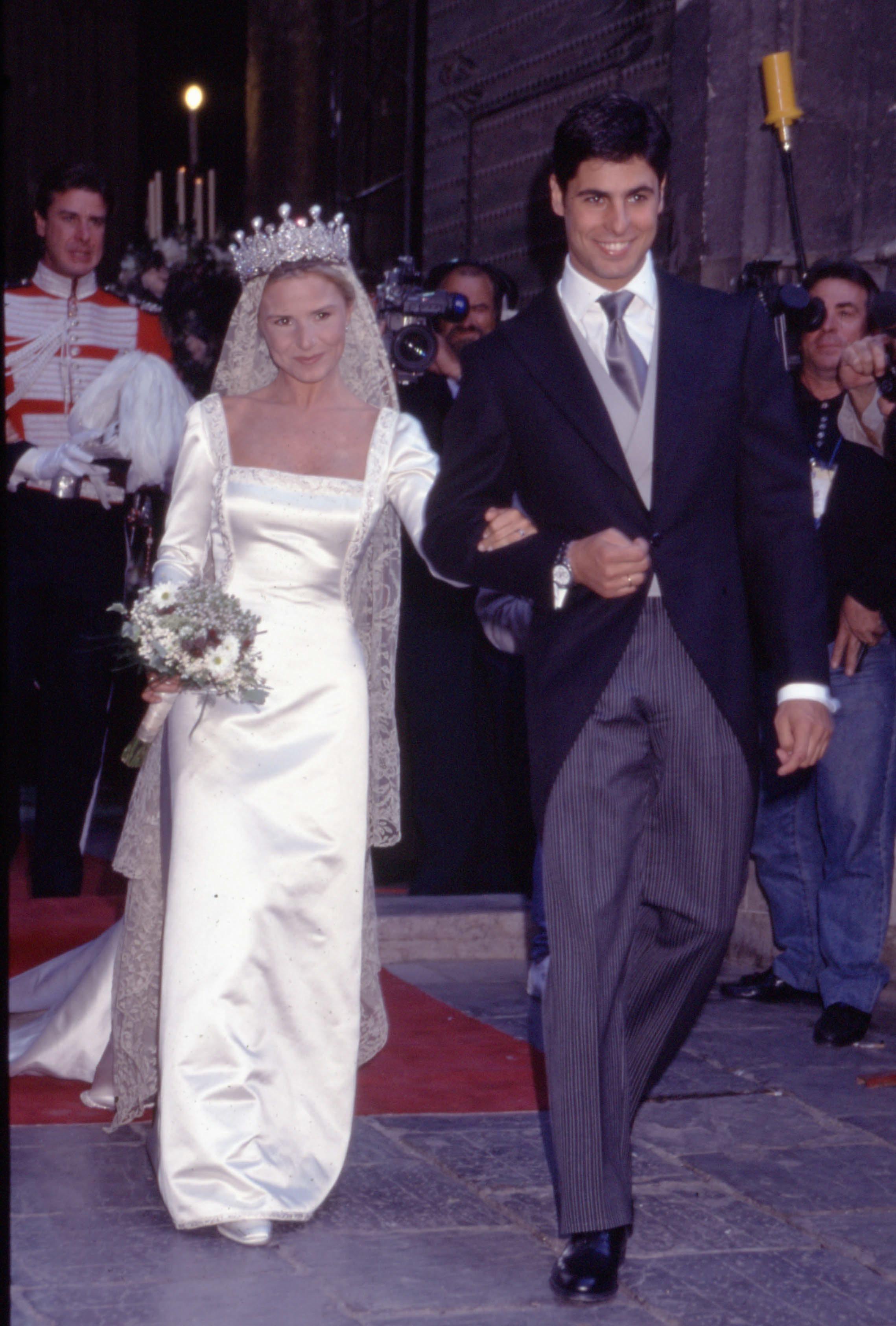 Eugenia Martínez de Irujo y Fran Rivera el día de su boda. (EFE)