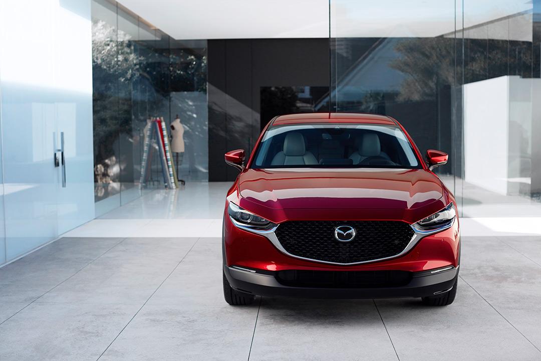 Coche Mazda de frente