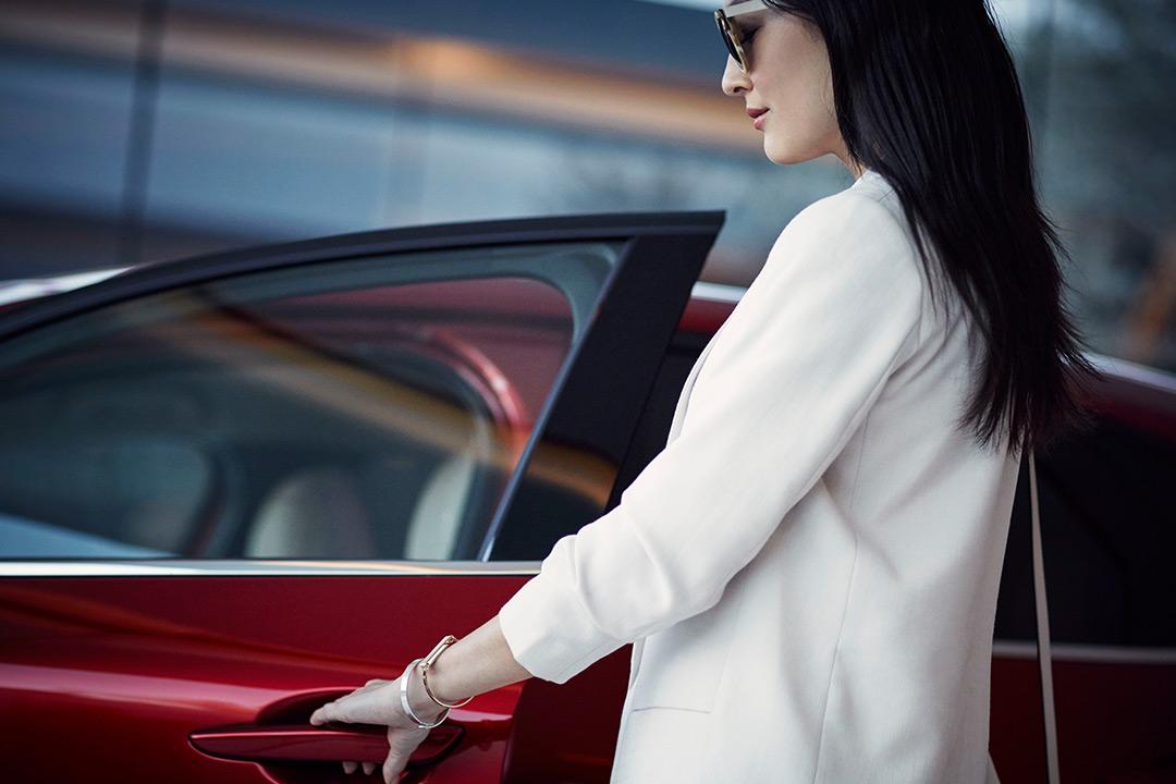 Coche Mazda puerta