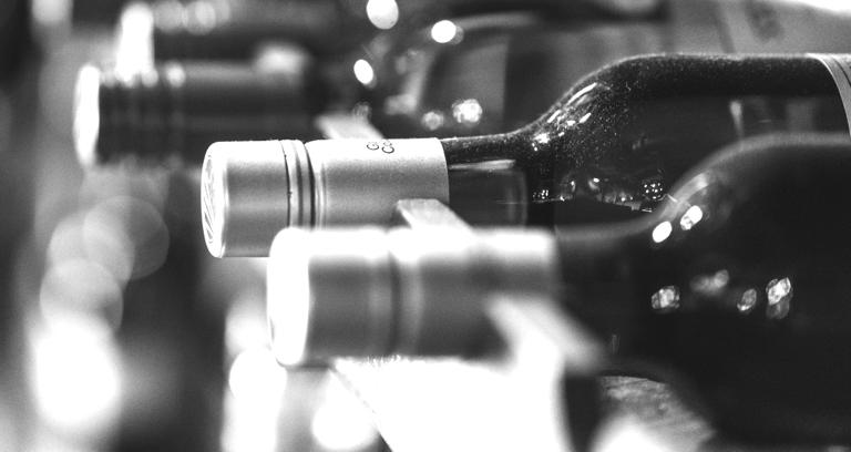 Enlace a: El arte de servir el vino a la temperatura correcta para no alterar su sabor