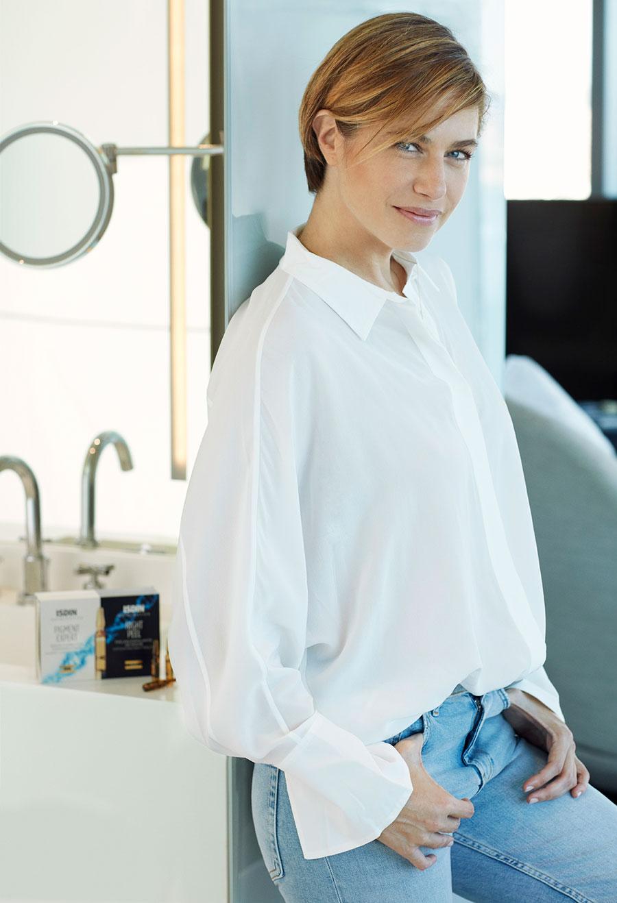 Martina Klein es noticia por su corte de pelo