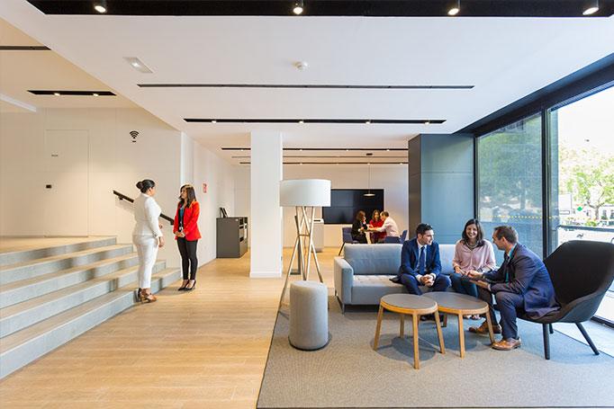 bancos espa oles as son las nuevas oficinas de la era de