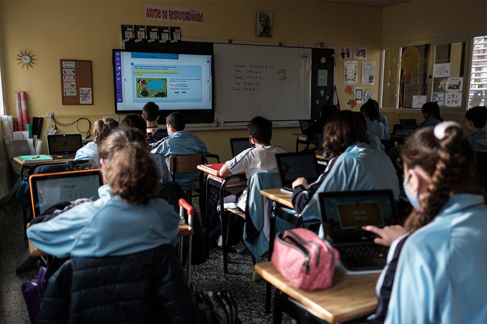 Una clase del Colegio María Inmaculada muestra el sistema de educación 'online'