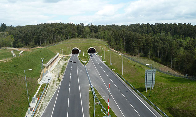 Tunel Hindhead HE