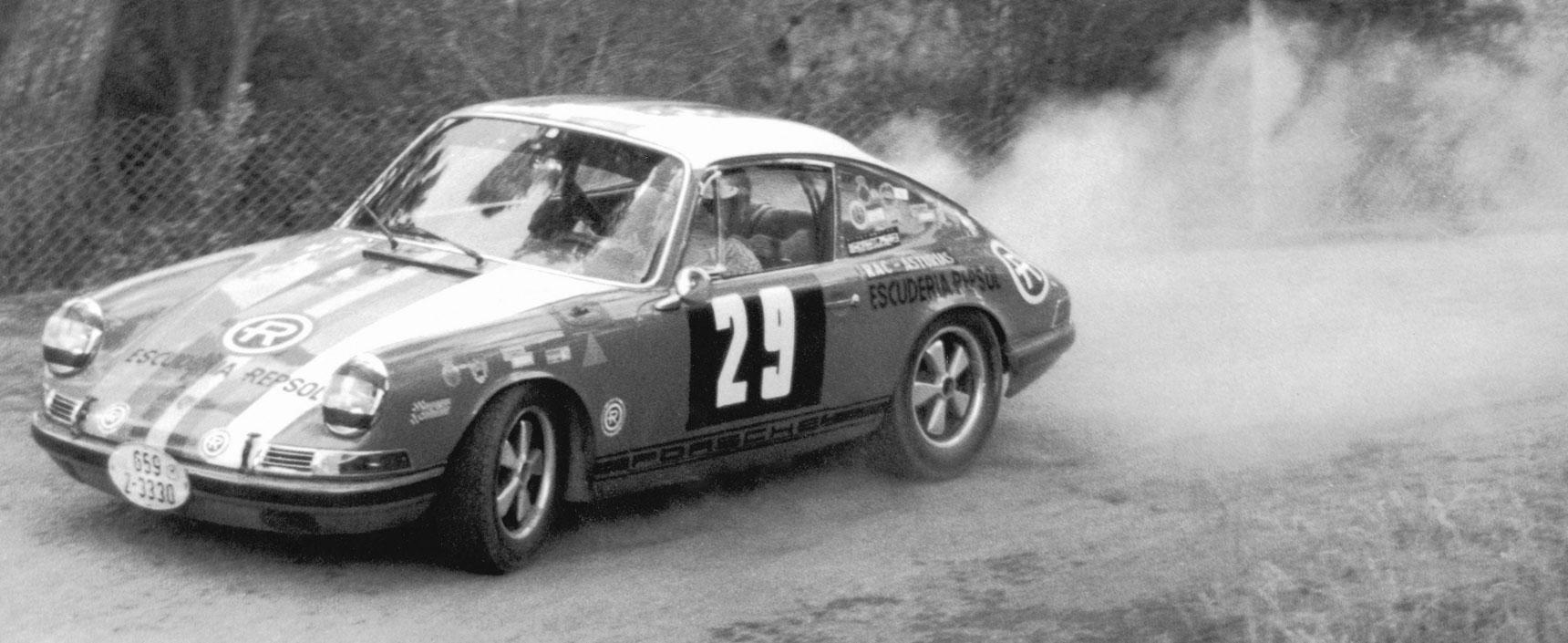 Imagen de un Porsche en blanco y negro